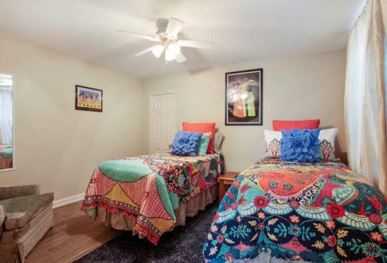 studio 4 806.5 Bedroom